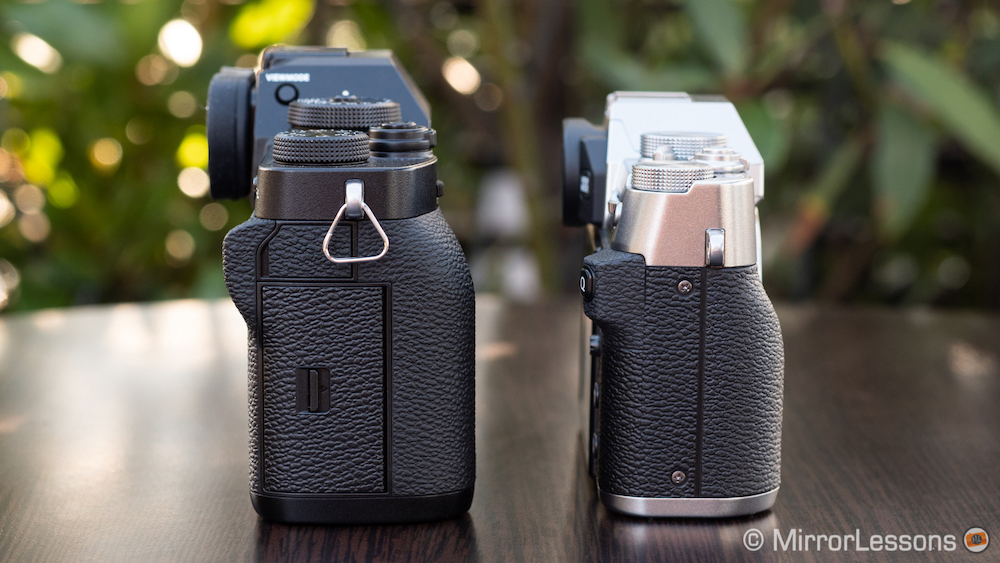 fuji xt3 vs xt30 product shots-3