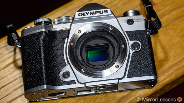 Olympus OM-D E-M5 II vs OM-D E-M5 III – The 10 Main Differences