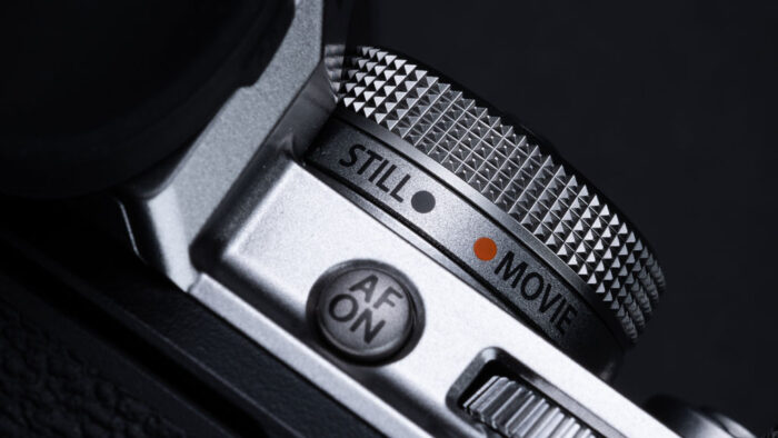 The still and movie mode dial on the X-T4
