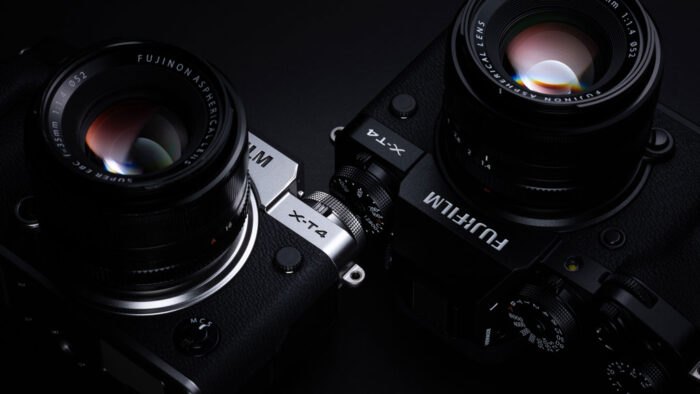 The X-T4 in two different colours