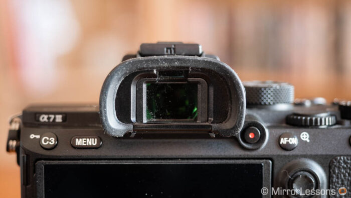 close-up on the Sony A7 3 viewfinder
