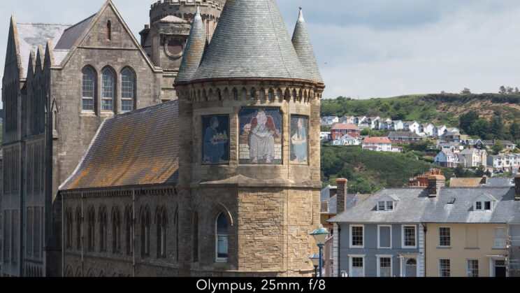 enlargement of the centre of the image (where the castle is) showcasing the quality at 25mm and f8 for the Olympus lens