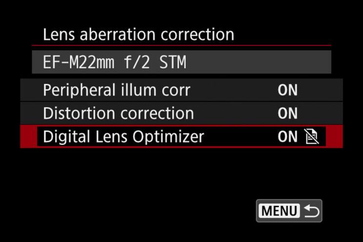 screenshot of the Canon M50 menu showing the lens aberration correction setting